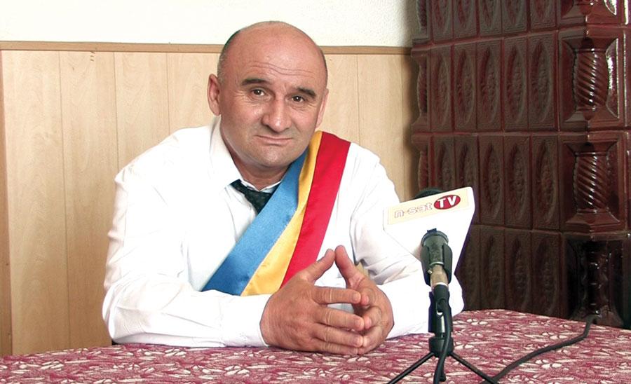 """Grigorie Petre: """"Noi creăm condiții cetățenilor: canalizare, drumuri agricole, drumuri comunale asfaltate, vrem să facem și sistem de irigații, pentru că viitorul comunei este agricultura."""""""