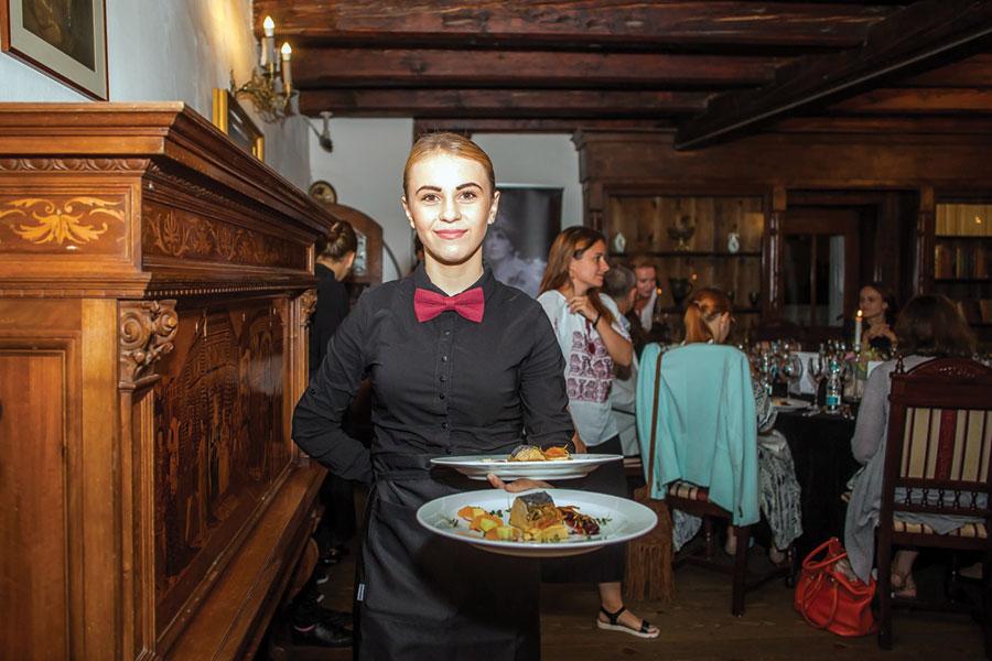 Meseriașii au învățat noțiuni de bază în gastronomie