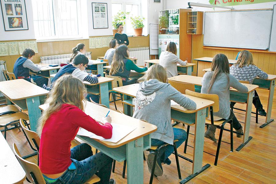 Circa 3500 de elevi vor susţine probele Evaluării Naţionale în Gorj