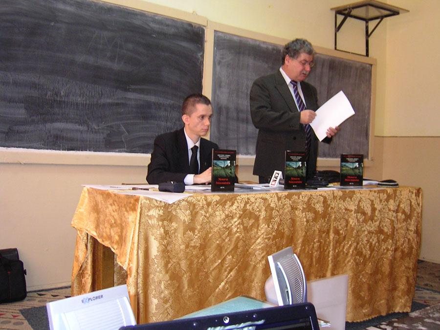 Gheorghe Nichifor și Andrei Popete Pătrașcu la lansarea unei cărți despre Holocaust