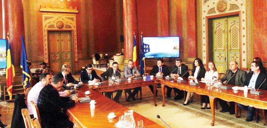 """Evenimentul de închidere a proiectului """"Datini oltenești"""" s-a bucurat de prezența autorităților județene, administrative și culturale"""