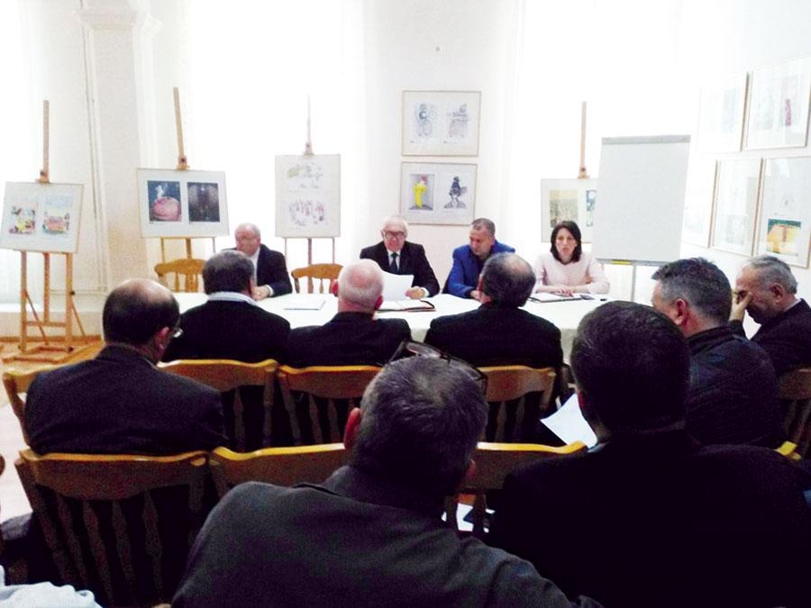 Primarii din 13 localități gorjene s-au întâlnit cu senatorul Cîrciumaru să-i spună cu ce probleme se confruntă